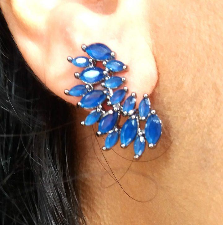 Brinco Ear Cuff com Pedra Natural Azul Folheado em Ródio Negro