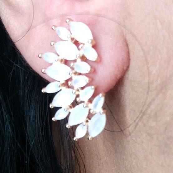 Brinco Ear Cuff com Pedra Natural Rosa Claro Folheado em Ouro 18k