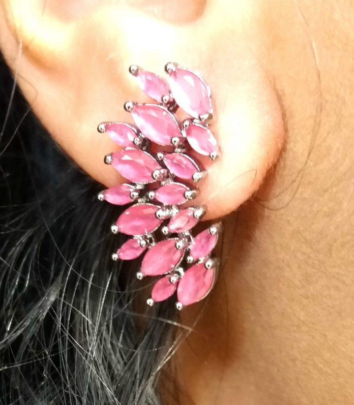 Brinco-Ear-Cuff-com-Pedra-Natural-Vermelha-Folheado-em-Ródio-Negro