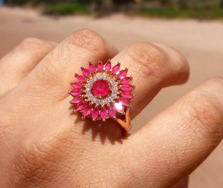 anel da moda de pedra vermelha folheado em ouro