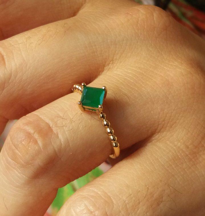 Anel Estilo Pandora Com Pedra Verde Folheado em Ouro 18k
