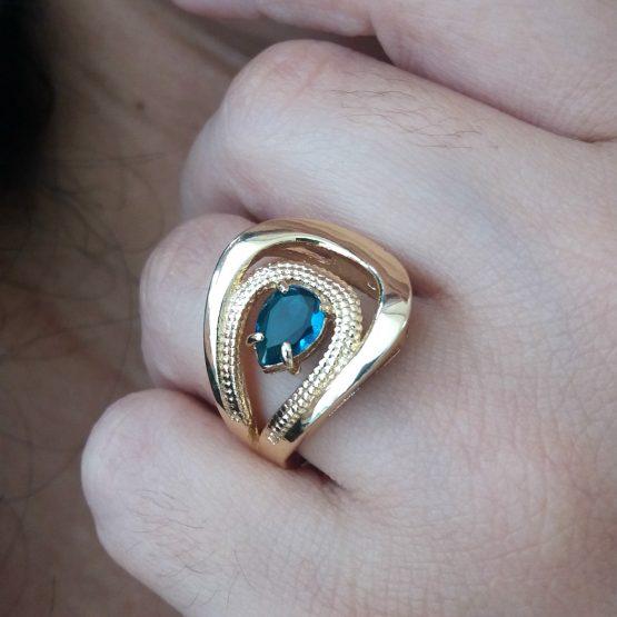 Anel Com Pedra Azul Folheado Em Ouro 18k