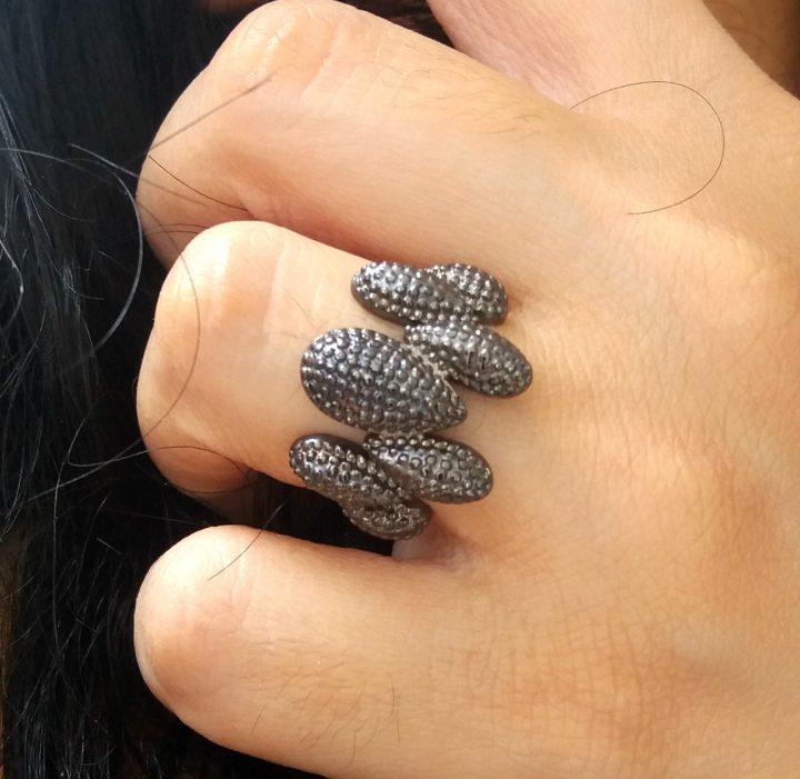 anel da moda negro