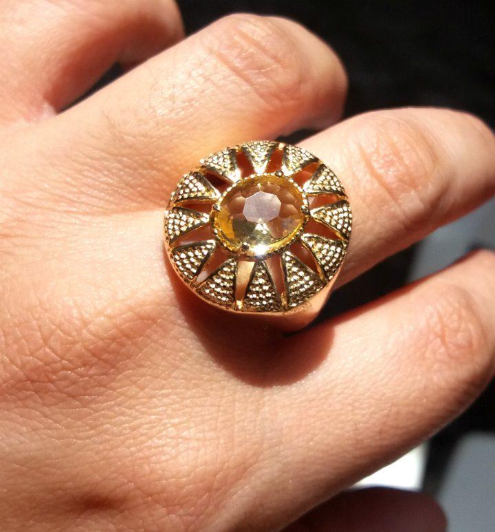 anel de pedra amarela citrino