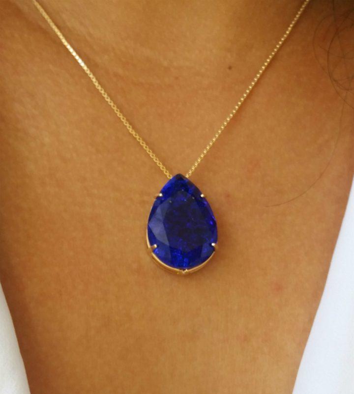colar gargantilha com pedra azul marinho