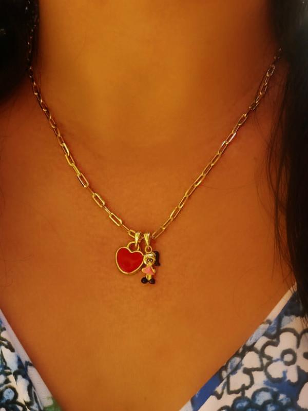 Colar Pingente De Menina Com Coração Folheado Em Ouro 18k