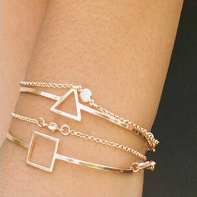 Pulseira Bracelete Quadrada Folheado em Ouro 18k