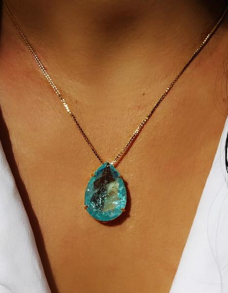colar com pedra natural azul
