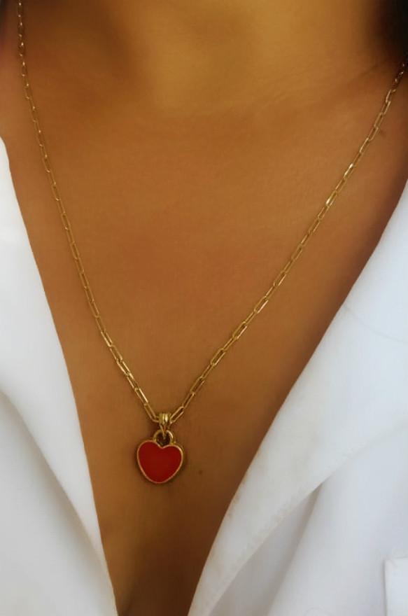colar com pingente de coração vermelho