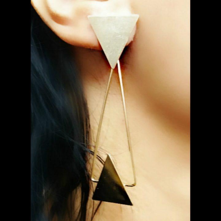brinco geometrico triangulo