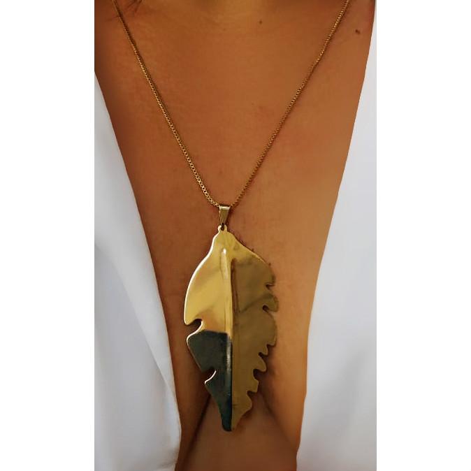 colar de folha da karola folheado em ouro