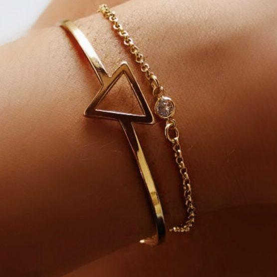 Pulseira Bracelete Triangulo Folheado Em Ouro 18k