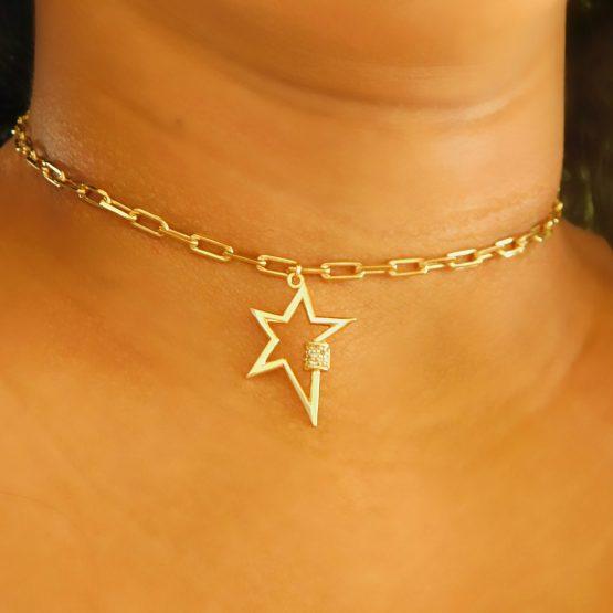 Gargantilha Choker Com Pingente de Estrela Corrente Cartier Folheada em Ouro 18k