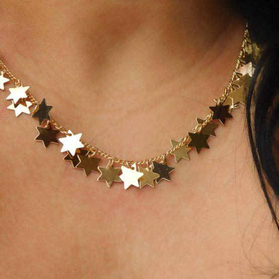Colar Com Pingentes de Estrelas Folheado em Ouro 18k